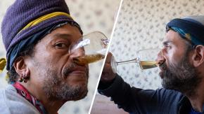 Istruttore di yoga beve la propria urina dal naso per curare il raffreddore e durare di più a letto!