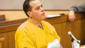 Uomo utilizza i registri online sui criminali per rintracciare e picchiare i pedofili!