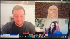 Datore di lavoro si trasforma per errore in una patata durante una riunione online