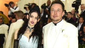 """Elon Musk chiama suo figlio """"X Æ A-12 """", costretto a cambiare il nome per conformarsi alle leggi"""