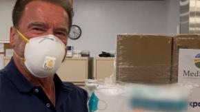 Arnold Schwazenegger dona 1 milione di dollari in mascherine contro il coronavirus